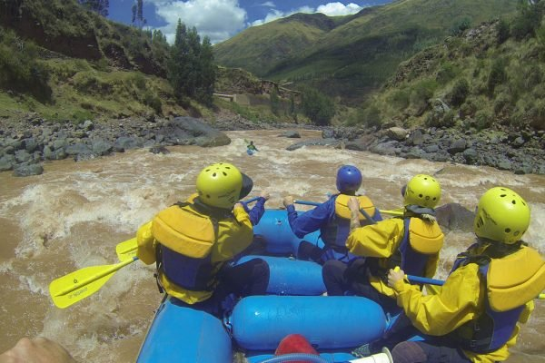 THE GREAT URUBAMBA RIVER/RAFTING CLASS III & IV