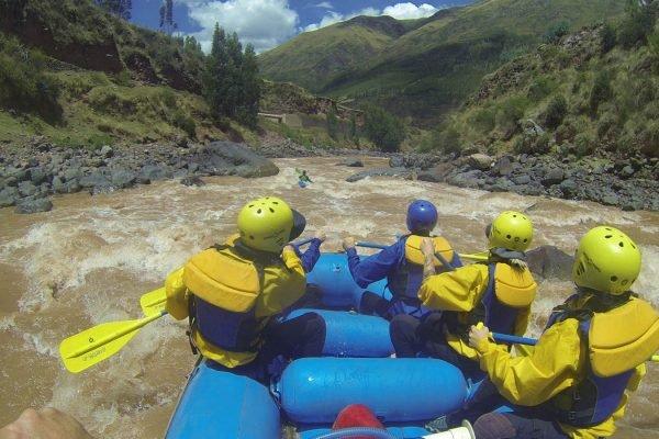 THE GREAT URUBAMBA RIVER/RAFTING CLASS III & IV